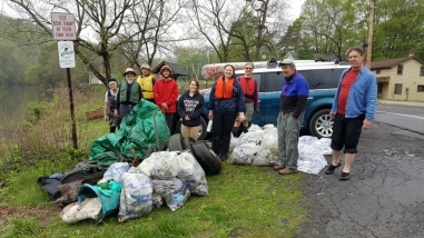 Wappinger Creek trash_(1024x576)